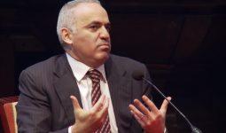 Garry Kasparov: 'Het wordt winter' – interview