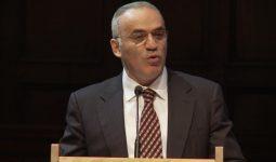 Garry Kasparov: 'Het wordt winter' – lezing