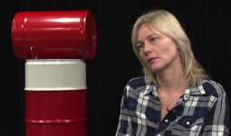 Ellen de Bruin: 'Onder het ijs'
